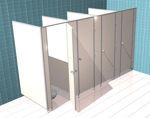 Пристроенные сантехнической кабины прилегают одной стороной к стене здания, а с другой заканчиваются боковой панелью.